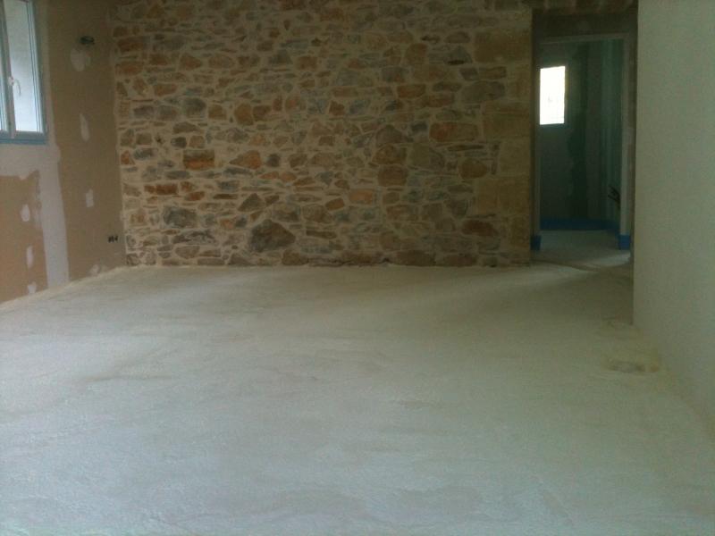 Mousse polyur thane chape liquide ravoirage al s dans le gard 30 abr - Chape mousse polyurethane ...